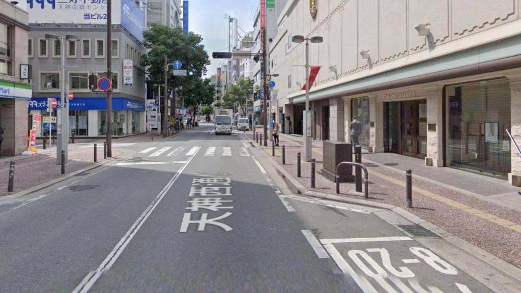 GINZA TANAKA(西鉄グランドホテル)を左